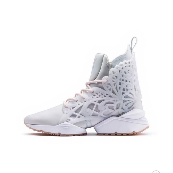 75180204bae4 PUMA x SOPHIA WEBSTER Muse Echo Glitter Sneakers. M_5af7c634fcdc312b29e4f176